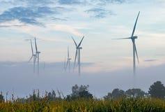 Turbine de l'électricité, ferme de vent Image libre de droits