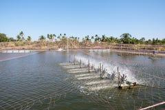 Turbine de l'eau tournant pour propre et le traitement Photo libre de droits