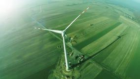 Turbine de vent - concept vert d'énergie, photo aérienne à partir du dessus images libres de droits