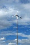 Turbine de vent et le ciel pour le moteur Image stock