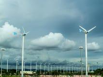 Turbine de vent, générateur de vent, unité d'énergie éolienne pour changer le vent ène Photos stock