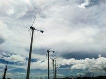 Turbine de vent, générateur de vent, unité d'énergie éolienne pour changer le vent ène Photographie stock libre de droits