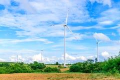 Turbine di vento che generano elettricità Fotografia Stock Libera da Diritti