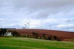 Turbine di vento nel campo Fotografia Stock