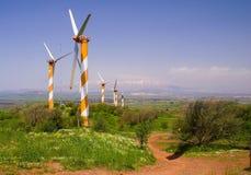 Turbine di vento producendo energia Immagini Stock Libere da Diritti