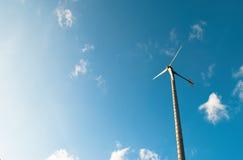 Turbine en blauwe hemel Royalty-vrije Stock Afbeeldingen