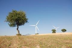 Turbine eoliche, in sud Italië Stock Afbeeldingen
