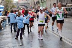 Turbines dans le trente-deuxième marathon de Varsovie Image stock