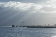 Turbines de cargo et de vent Photo stock