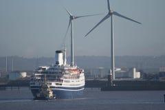 Turbines de revêtement et de vent de croisière Photos stock