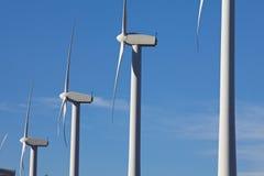 Turbines de vent à une ferme de moulin à vent Image libre de droits