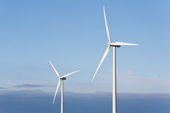 Turbines de vent dans le ciel Photographie stock