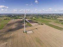 Turbines de vent dans Suwalki poland Vue de ci-avant Jeunes adultes Image stock