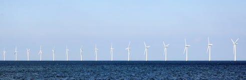 Turbines de vent en mer photos libres de droits