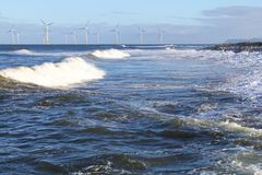 Turbines de vent en Mer du Nord Photo stock