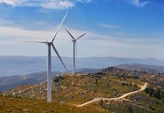 Turbines de vent, zone jaune photo stock