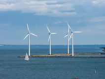 Turbines de vent, zone jaune Photographie stock