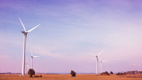 Turbines de vent, zone jaune images stock