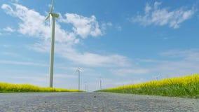 Turbines de vent, zone jaune banque de vidéos