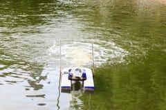 Turbines pour l'oxygène d'augmentation dans l'eau Images stock