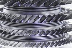 Turbinmotor Flygteknologier Flygplanjetmotordetalj i utläggningen Tonade blått Royaltyfri Bild