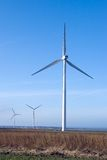 turbinwind för blå sky tre Royaltyfri Bild
