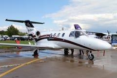 Turbo-reagierende Flugzeuge Cessna CJ an der internationalen Luftfahrt lizenzfreie stockfotografie