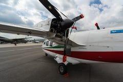 Turbopropulseur Lycoming LTP 101-700 des aéronefs de servitude civils Piaggio P 166C, plan rapproché Image libre de droits