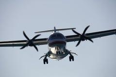 Turbopropulsor que aterriza 1 Fotografía de archivo