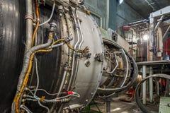 Turboshaftmotor i flyghangar Fotografering för Bildbyråer
