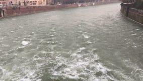 turbulent vatten stock video