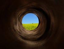Turbulenztunnel zu den Paradiesfeldern Stockfotografie