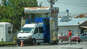 Turcja, Kemer, 15,07,2014 A samochód w ulicznym samochodowym obmyciu Zdjęcia Royalty Free