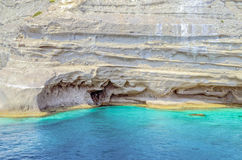 Turco del centro turístico Agua azul del mar Mediterráneo Fondo asombroso hermoso de la naturaleza Rocas enormes Imagen de archivo libre de regalías