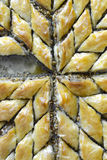Turco Ramadan Dessert Baklava com nozes imagem de stock