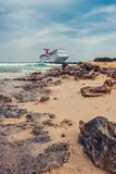 Turco/Turks and Caicos Islands magníficos - 10 de mayo 2007: Opinión sobre el barco de cruceros del carnaval fotografía de archivo libre de regalías