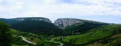 Turda fecha a passagem de montanhas Fotografia de Stock
