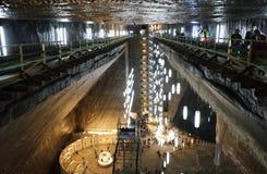 TURDA RUMÄNIEN - AUGUSTI 19TH 2016 - inre sikt av Turda den salta minen Royaltyfri Bild