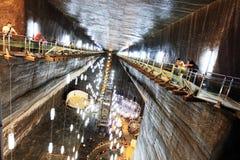 TURDA RUMÄNIEN - AUGUSTI 19TH 2016 - inre sikt av Turda den salta minen Royaltyfria Foton
