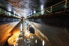 TURDA RUMÄNIEN - AUGUSTI 19TH 2016 - inre sikt av Turda den salta minen Arkivbild