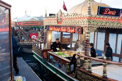 Turecki bufet z rybimi kanapkami Fotografia Royalty Free