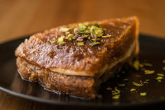 Turecki Tradycyjny Deserowy Ekmek Kadayifi, Chlebowy pudding/ Fotografia Royalty Free