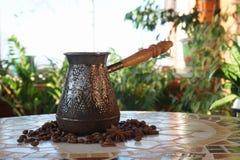 Turek dla kawy na stole obraz royalty free