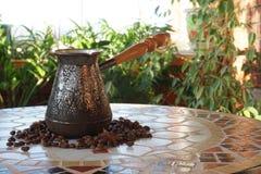 Turek dla kawy na stole obrazy stock