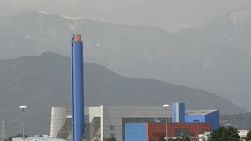 Turijn, Gerbido, Piemonte Italië 27 Mei 2018 De afval-aan-energie installatie van de bedrijf trm-IREN GROEP stock video
