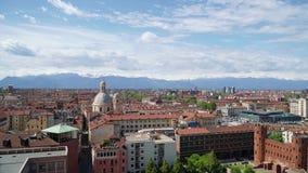 Turijn, Turijn, het luchtpanorama van de timelapsehorizon met de Alpen op de achtergrond Itali?, Piemonte, Turijn stock video
