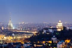 Turijn (Turijn), nachtpanorama bij blauw uur Royalty-vrije Stock Afbeelding