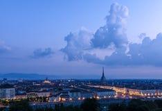 Turin hög definitionpanorama med vågbrytaren Antonelliana Arkivbild