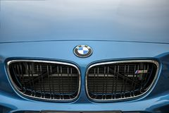 TURIN, ITÁLIA - 9 de junho de 2016  BMW M2 na exposição na feira automóvel do ar livre de Turin Imagem de Stock Royalty Free