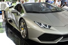 TURIN, ITÁLIA - 9 de junho de 2016  Lamborghini Huracan_Spider na exposição na feira automóvel do ar livre de Turin Fotografia de Stock